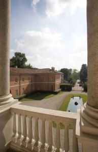 Villa Manzoni - Vista della corte civile